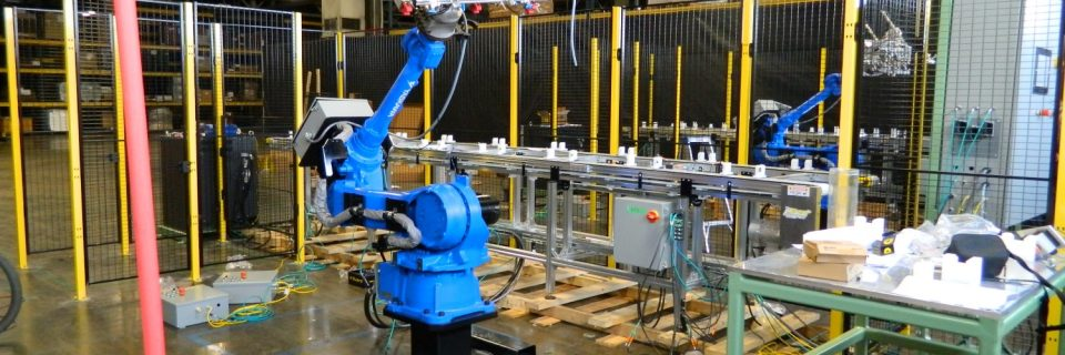 Yaskawa Robotic cell for Injection mold press tending